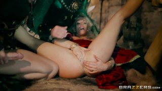 Streaming porn video still #9 from Queen Of Thrones