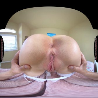 Big Titty Housewife video capture Image