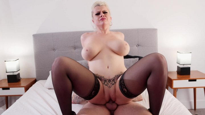 Streaming porn video still #1 from Curvaceous