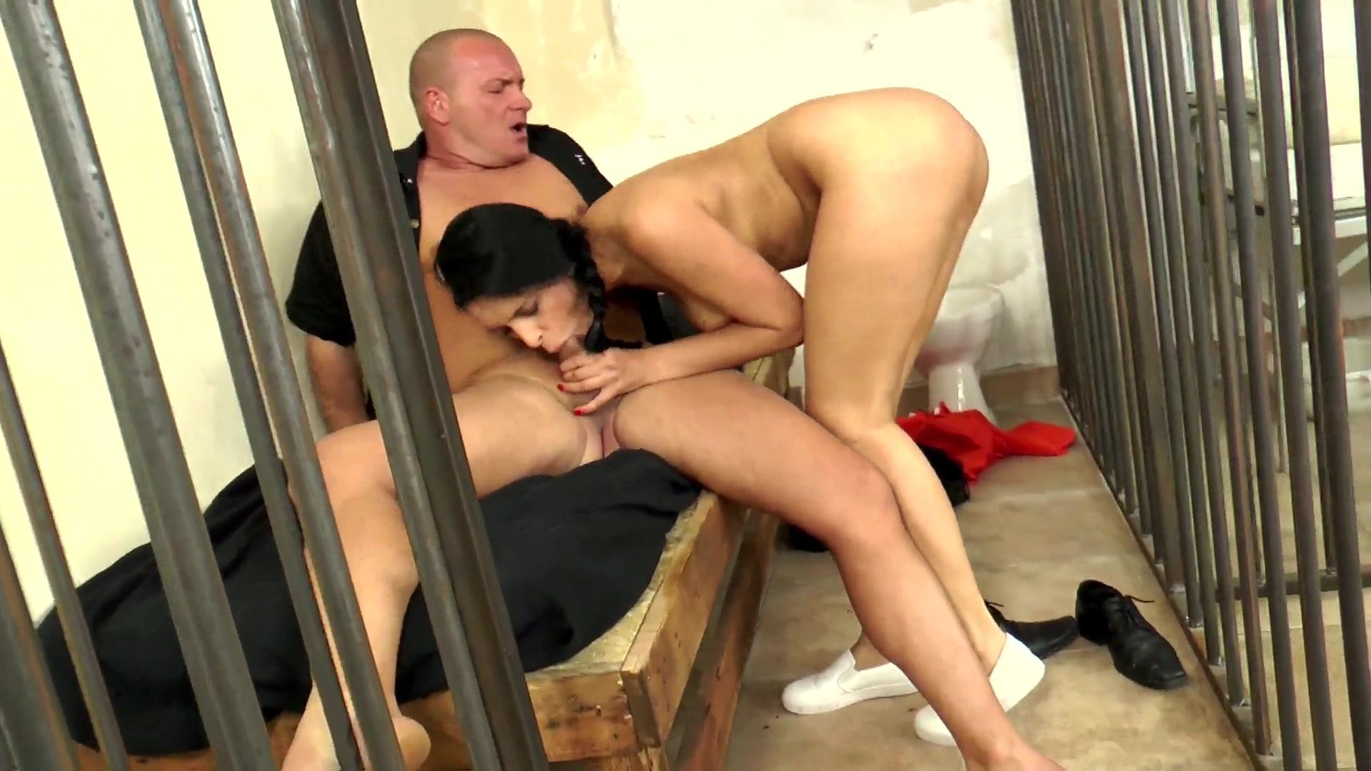 Порно ролики девушек заключенных, секс семьями русское
