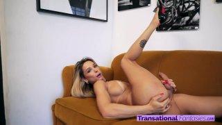 Streaming porn video still #2 from Bianca Hills 4