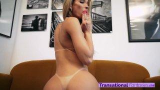 Streaming porn video still #4 from Bianca Hills 4