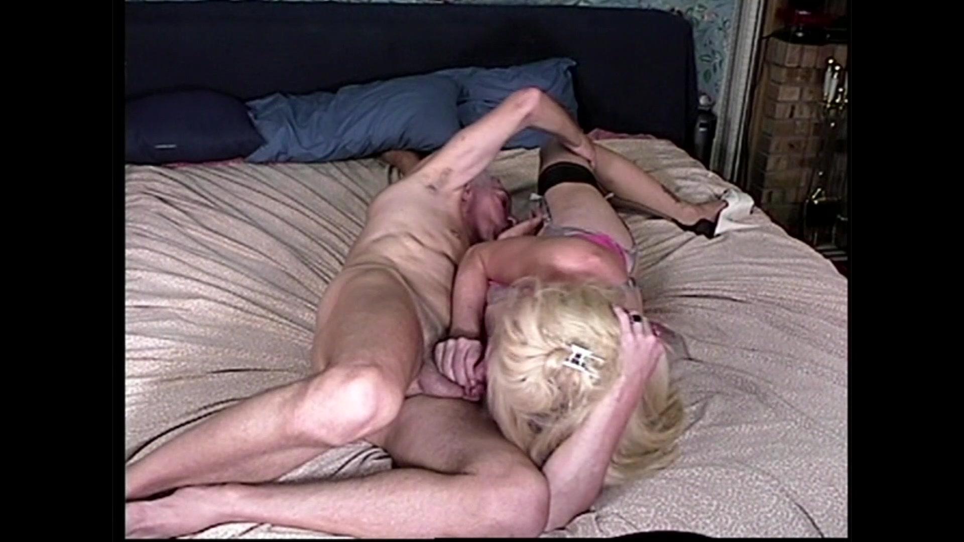 Moja punca ima velik kurac, ki se pretaka ali pa si naloži video na zahtevo-3698