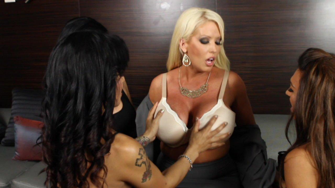 Alura Jenson Jessie Dubai Foxxy Porn pornstars love trannies #6 streaming video at lethal