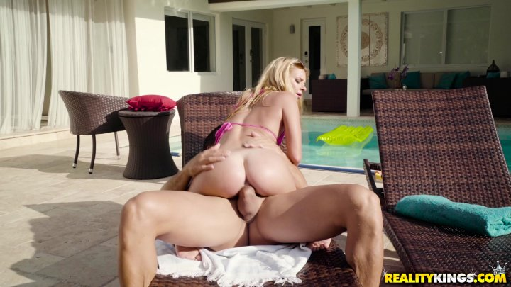 Streaming porn video still #3 from Sneaky Sex 6