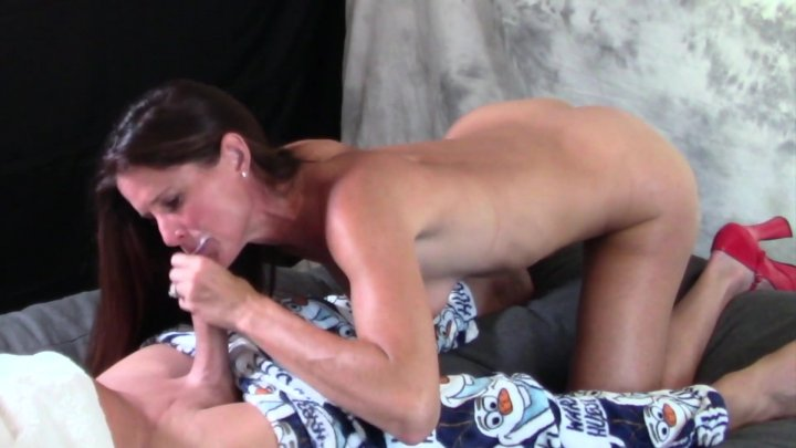 Streaming porn video still #1 from Yummy Stepmom