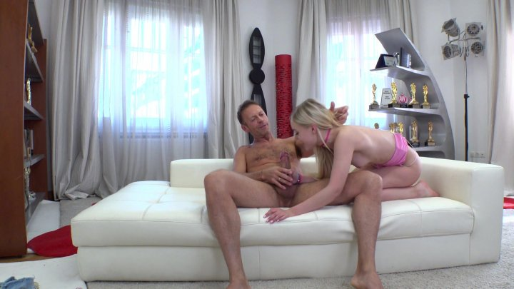 Streaming porn video still #1 from Rocco's Intimate Castings #38