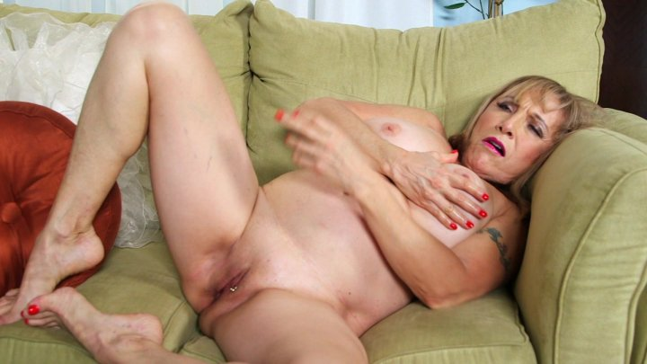 Homemade threesome with wife
