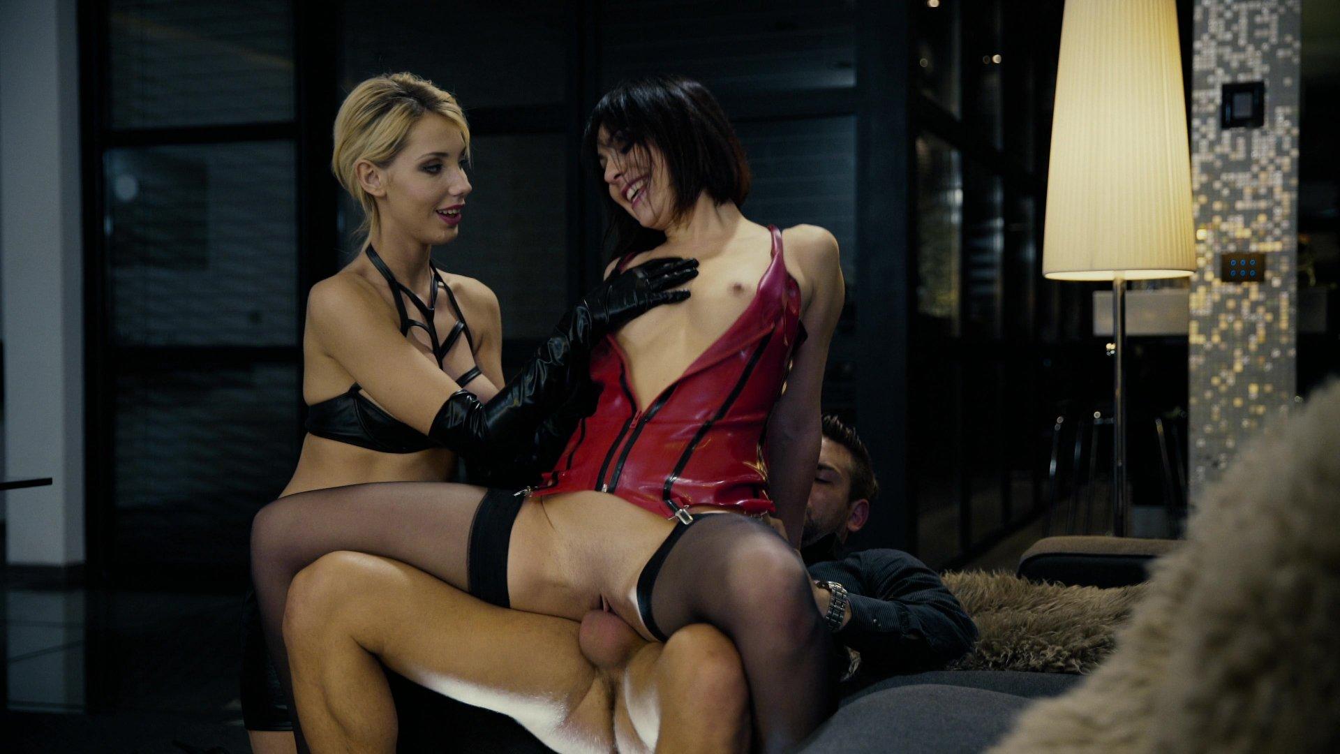 восемь-десять недель эскорт порно фильм межрасовый секс