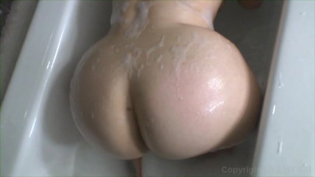Streaming porn video still #3 from Scale Bustin Babes 51