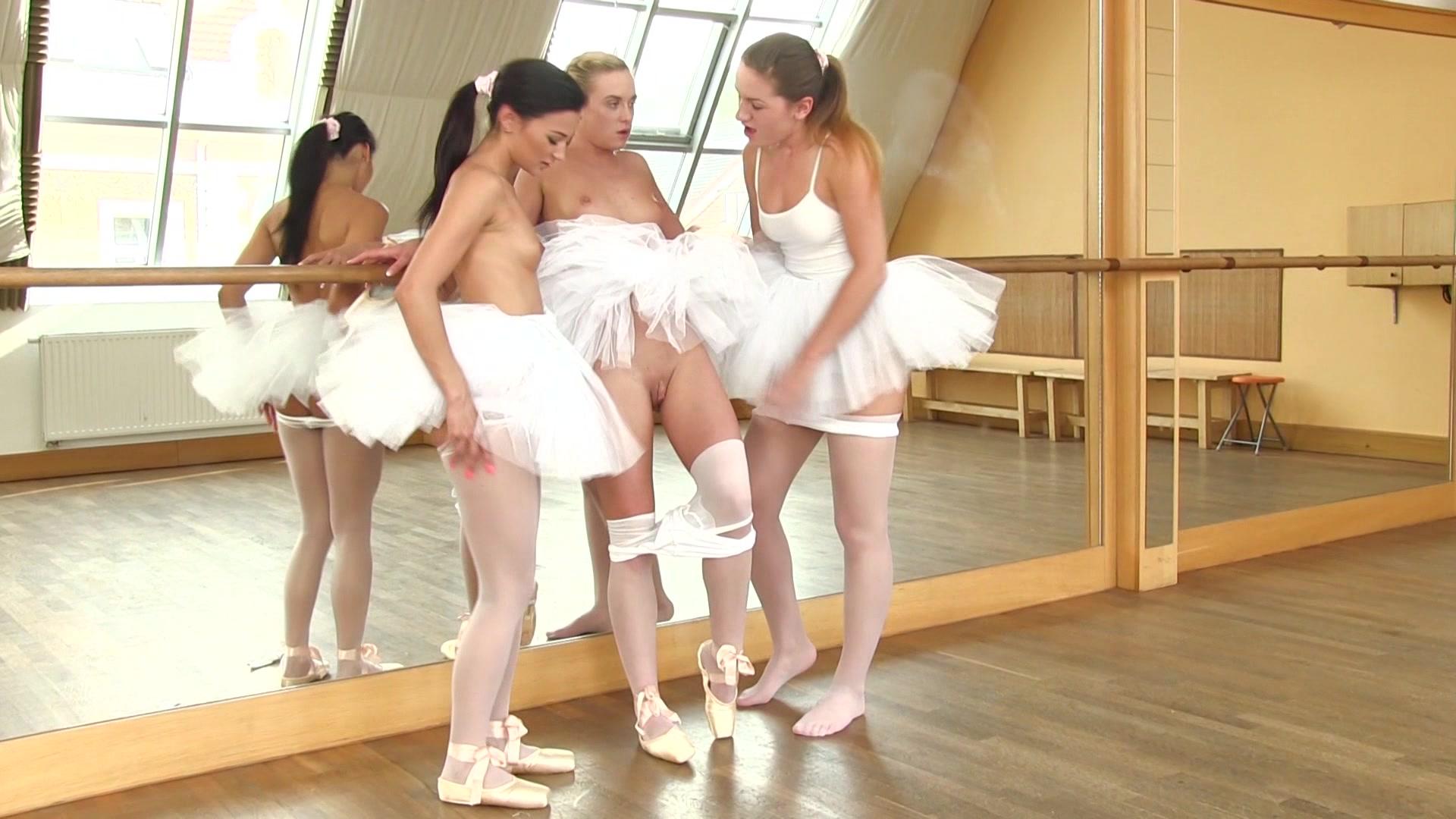 Смотреть эро шоу балет, Порно видео онлайн: ТанцыШоу 21 фотография