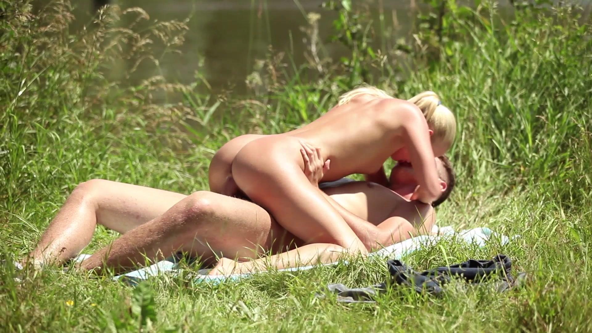 Hot Voyeur Nude Beach Shots