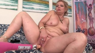 Streaming porn scene video image #4 from Mature Chunker Has Fun With Her Sex Machine