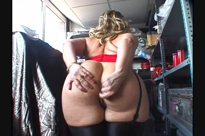 Chubby Brunette Sex