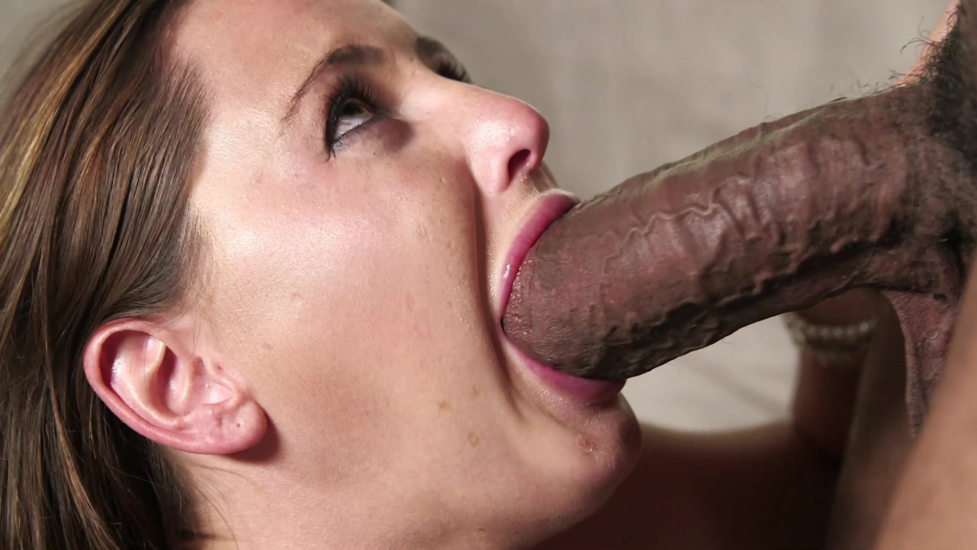 Dashing Blonde Mom With Big Tits Enjoys Sloppy Oral Sex And Gets Fucked Hardcore