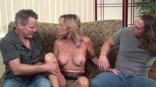 Streaming porn video still #5 from Twisted Family Threeways