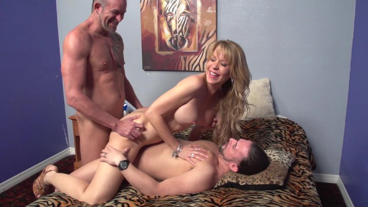Streaming porn video still #3 from Twisted Family Threeways