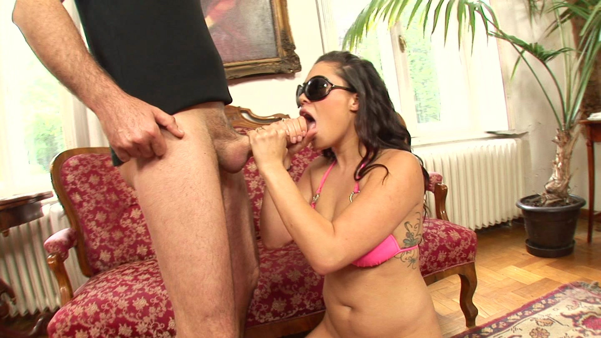 Asian Babe Gets Her Asshole Fucked