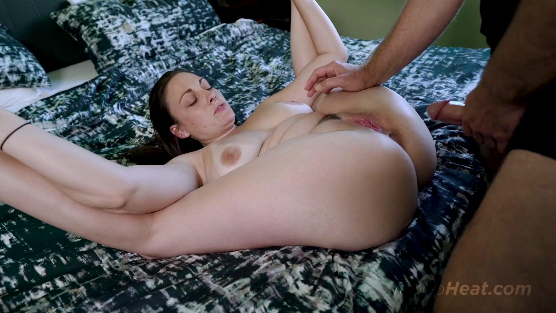 Tgirl Stepmom Melanie Brooks Shows Her Shedick And Fucks Stepson
