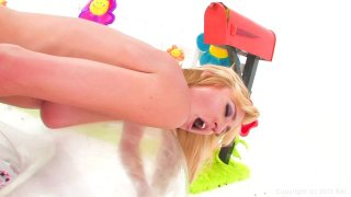Streaming porn video still #9 from I Am Samantha Saint