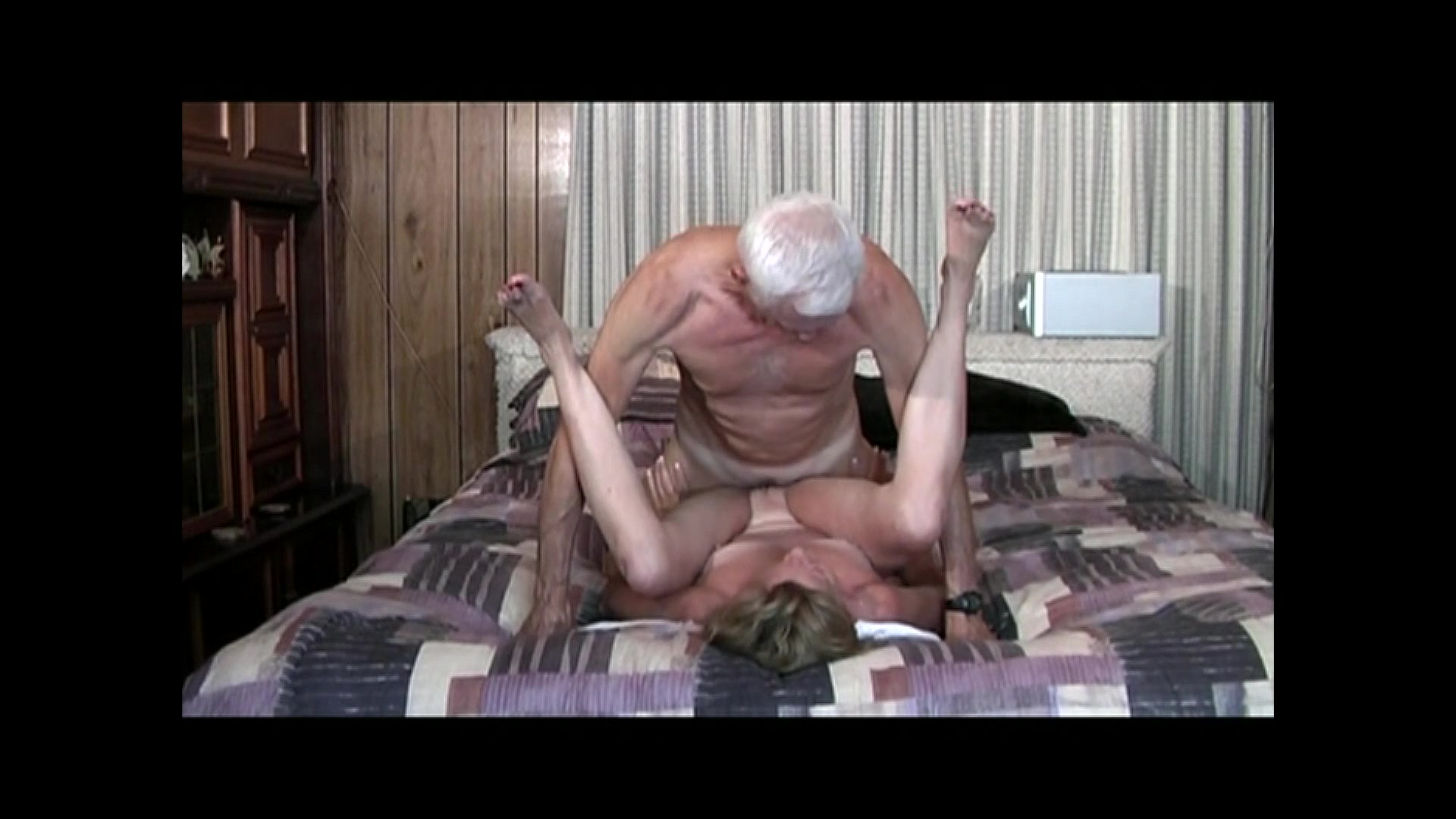 Granny takes it up the ass