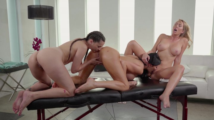 Streaming porn video still #2 from Bonding Experience
