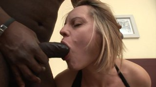 Screenshot #13 from Busty Mom Gets BBC 2