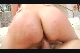 Streaming porn video still #7 from Hot Tits