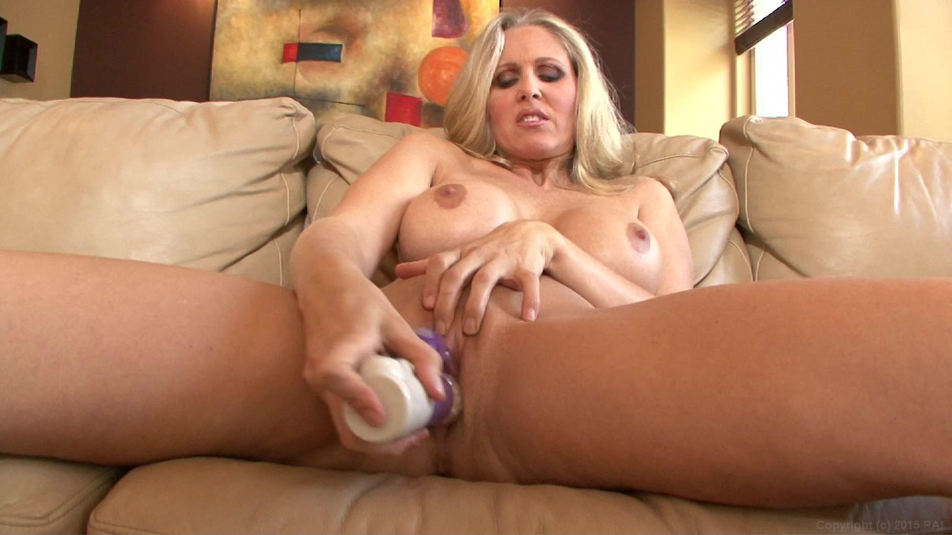 Nikita Cash Nude Masturbation In Dangerous Passions