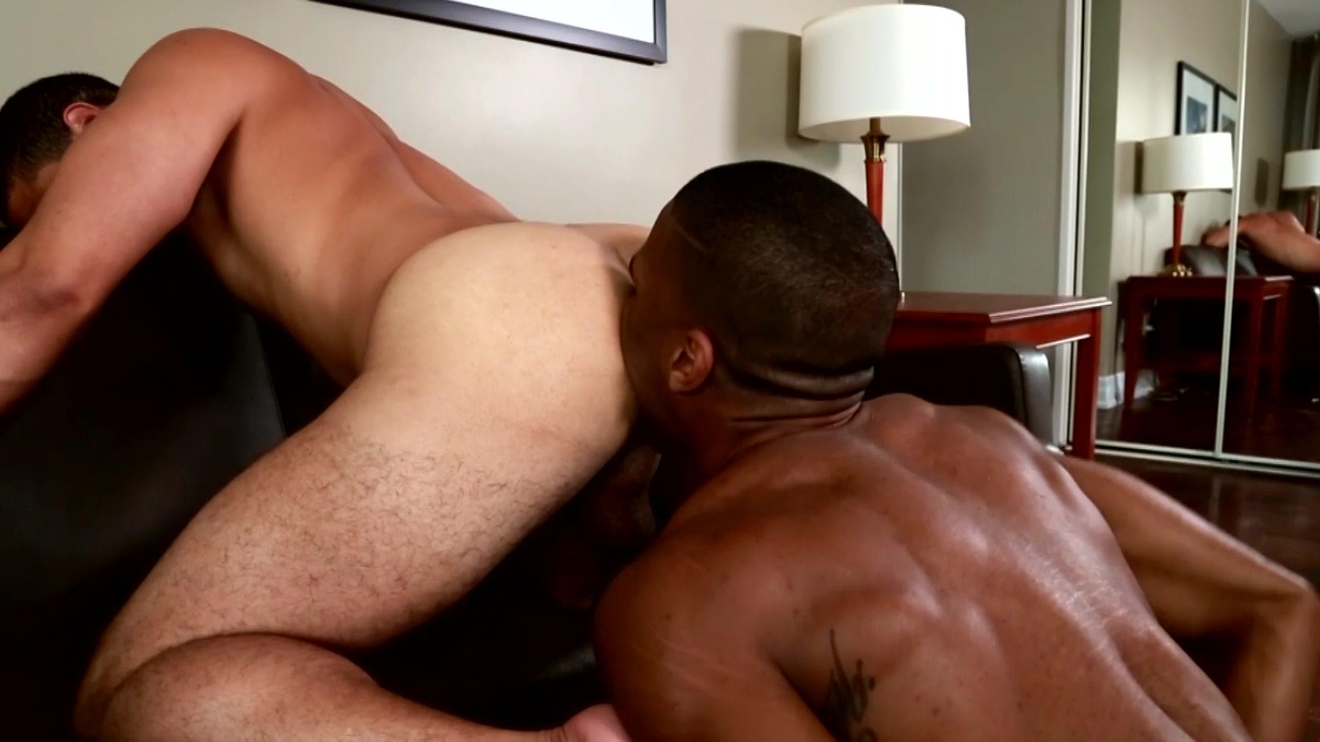 gay hunks to meet on msn
