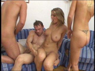 Naked females sucking pussy