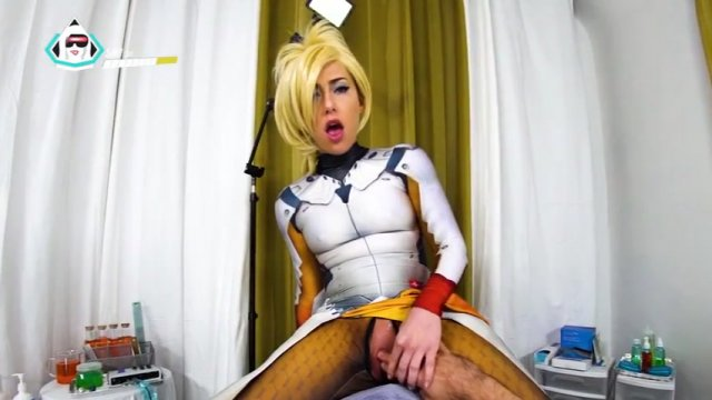 Streaming porn video still #4 from Cum And Cosplay