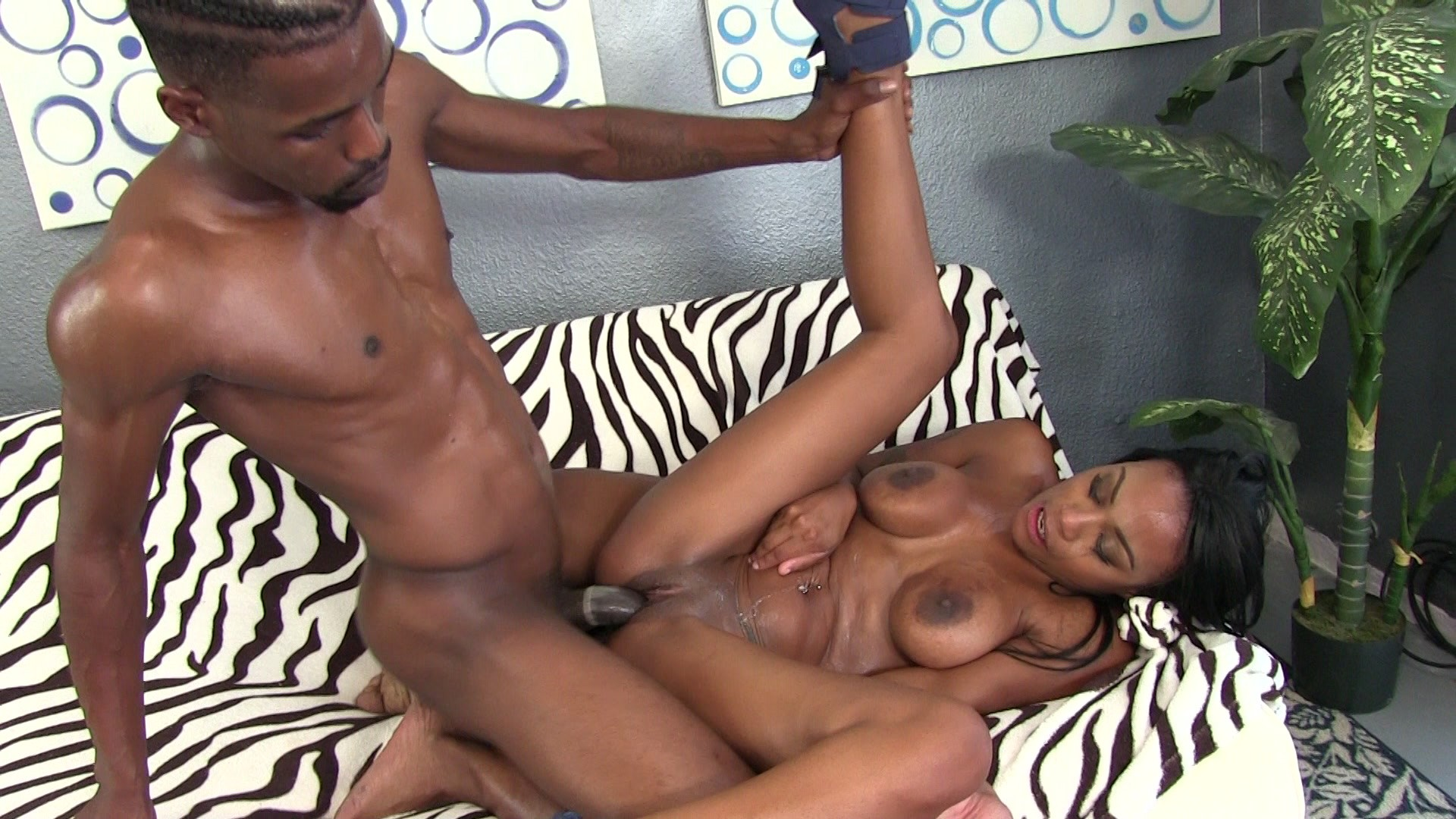 Sexy black girl fucks white guy