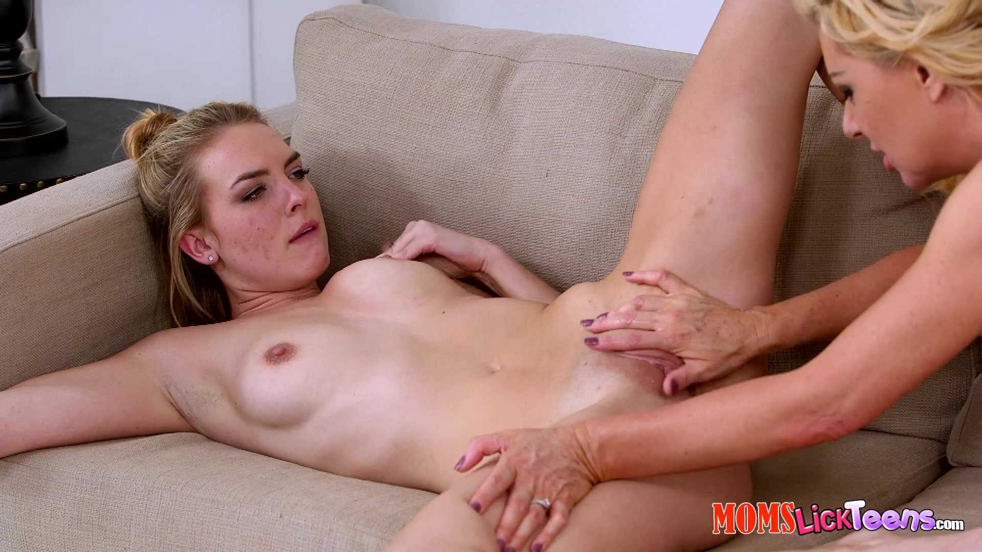 Mia evans set german babes open legs pic liking the pussy