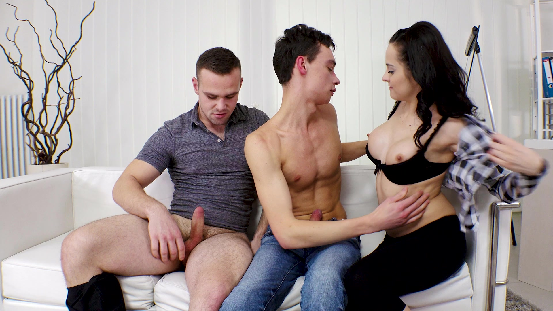 Surprise sex couples monthly john jennifer — pic 3