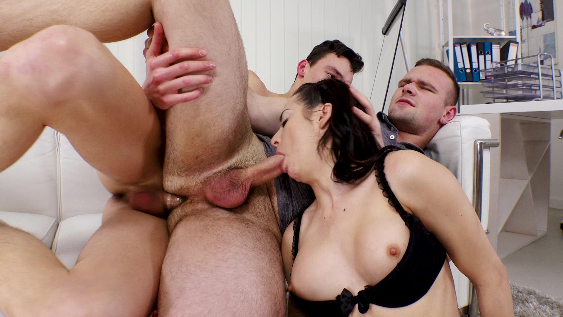 Татьяна 3 порно, Татьяна 3 - порно фильм с переводом 20 фотография