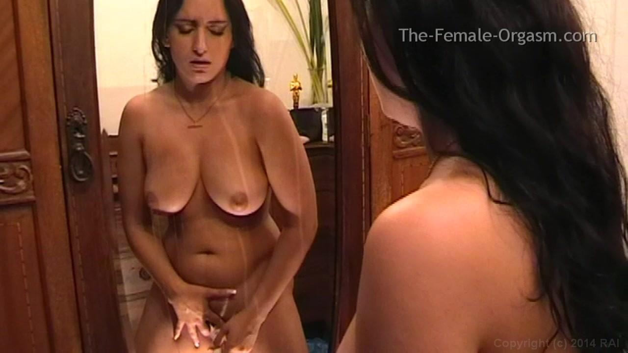 Weiblicher Jasmin masturbiert zum Orgasmus #10