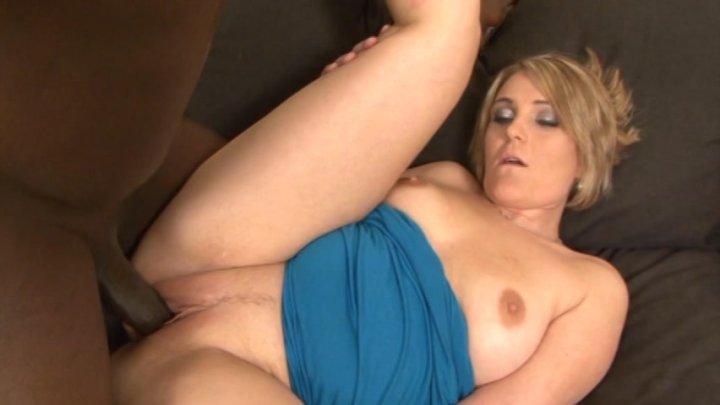 Streaming porn video still #3 from Curvy Asses 7