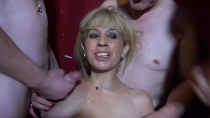 Streaming porn video still #2 from Debauchery at the Swinger's Club (French)