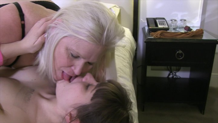 Streaming porn video still #5 from Granny Goes Cuntinental