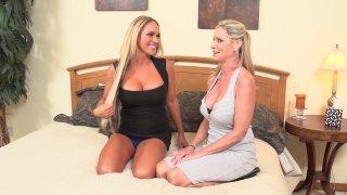 Screenshot #1 from Beautiful Bi-Sexual Girlfriends