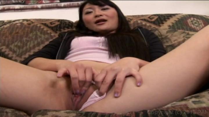Big amateur wife posing nude