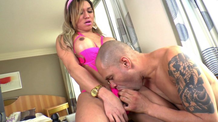 Streaming porn video still #6 from How To Please A She-Male 5
