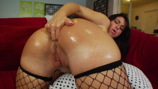 Streaming porn video still #4 from Anal Size My Wife 4