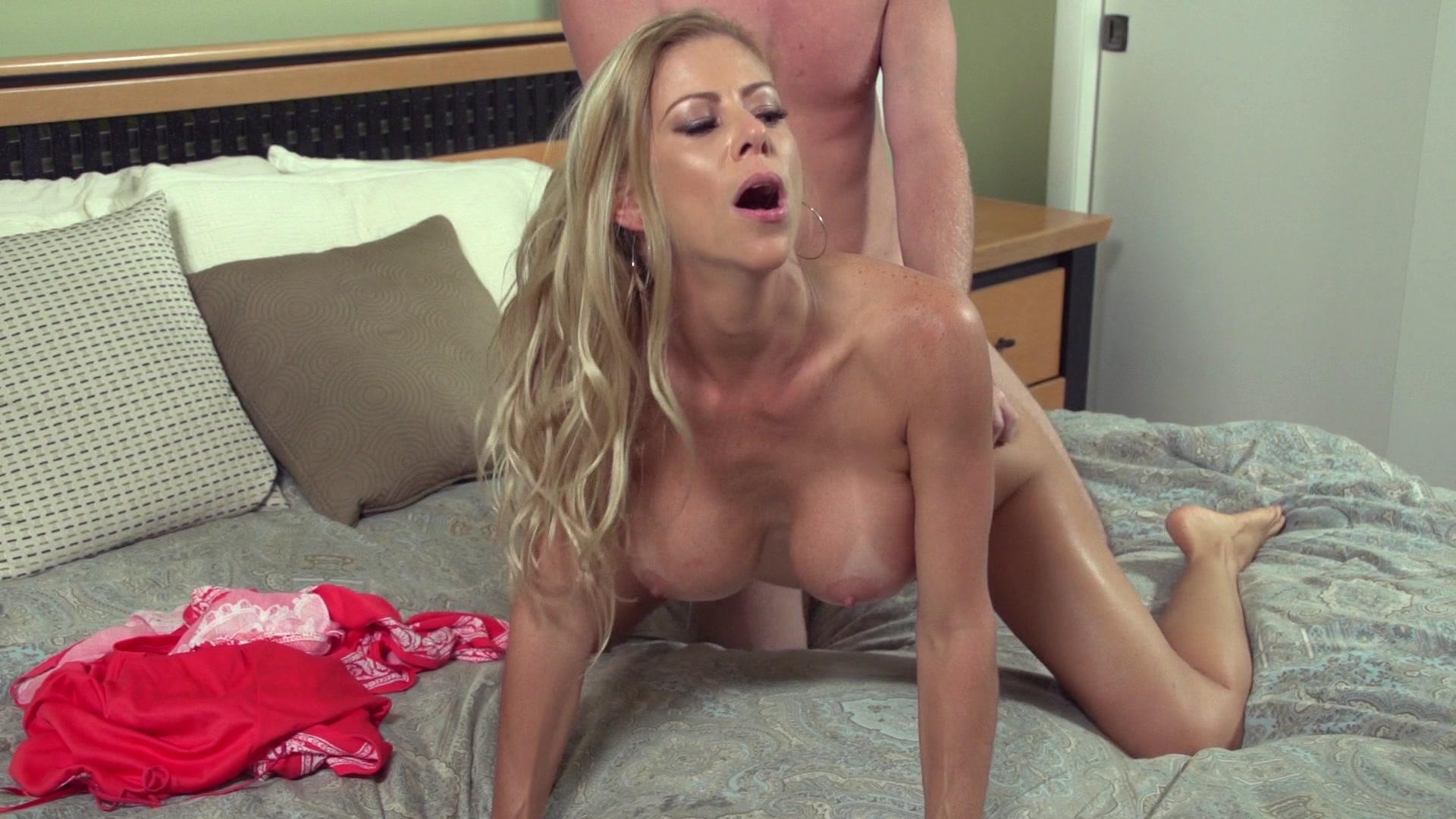 Naughty stepmom alexis fawx sexually pleases horny son