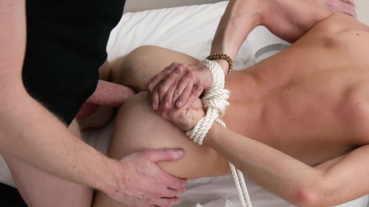Streaming porn video still #4 from Family Dick 2
