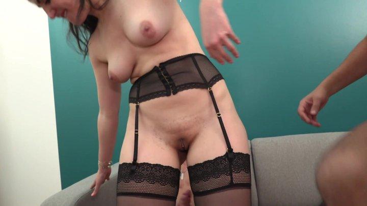 Streaming porn video still #1 from Ingenue mais pas du cul