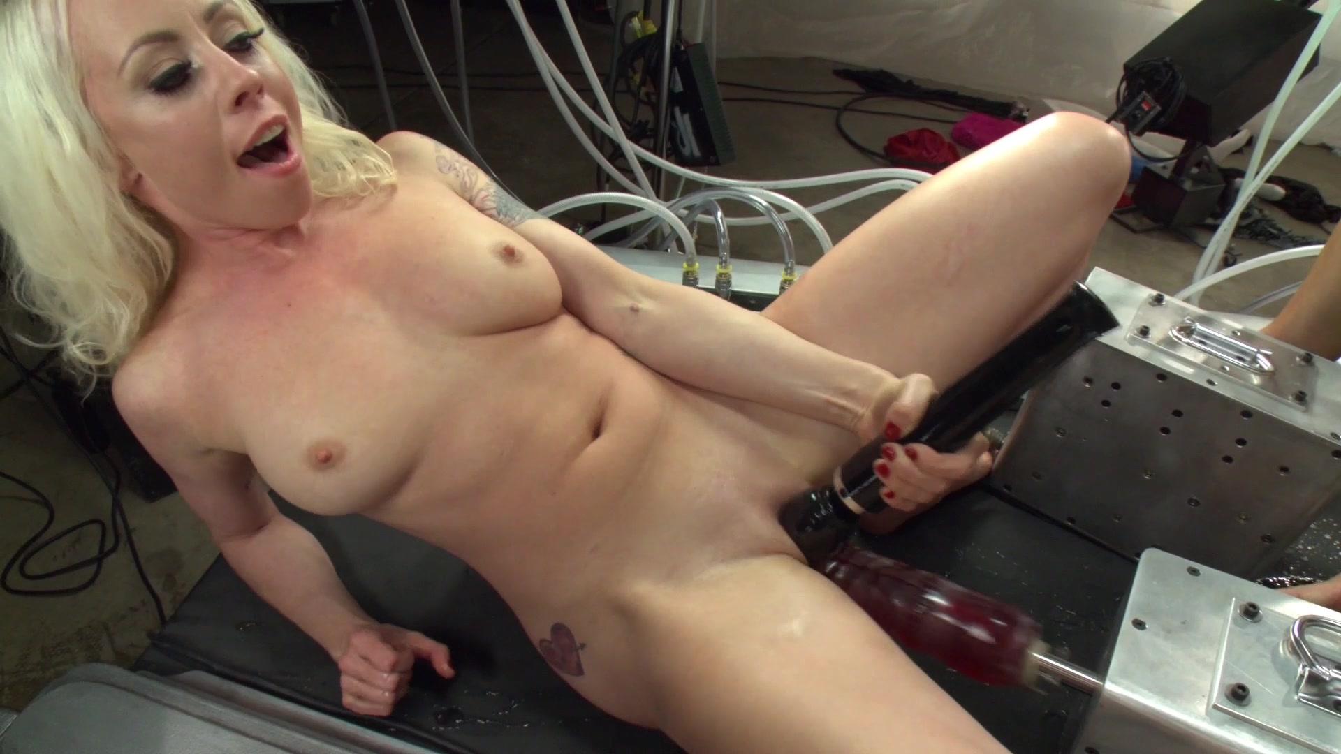 Faye grant naked