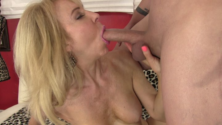 Streaming porn video still #1 from Granny Love 2