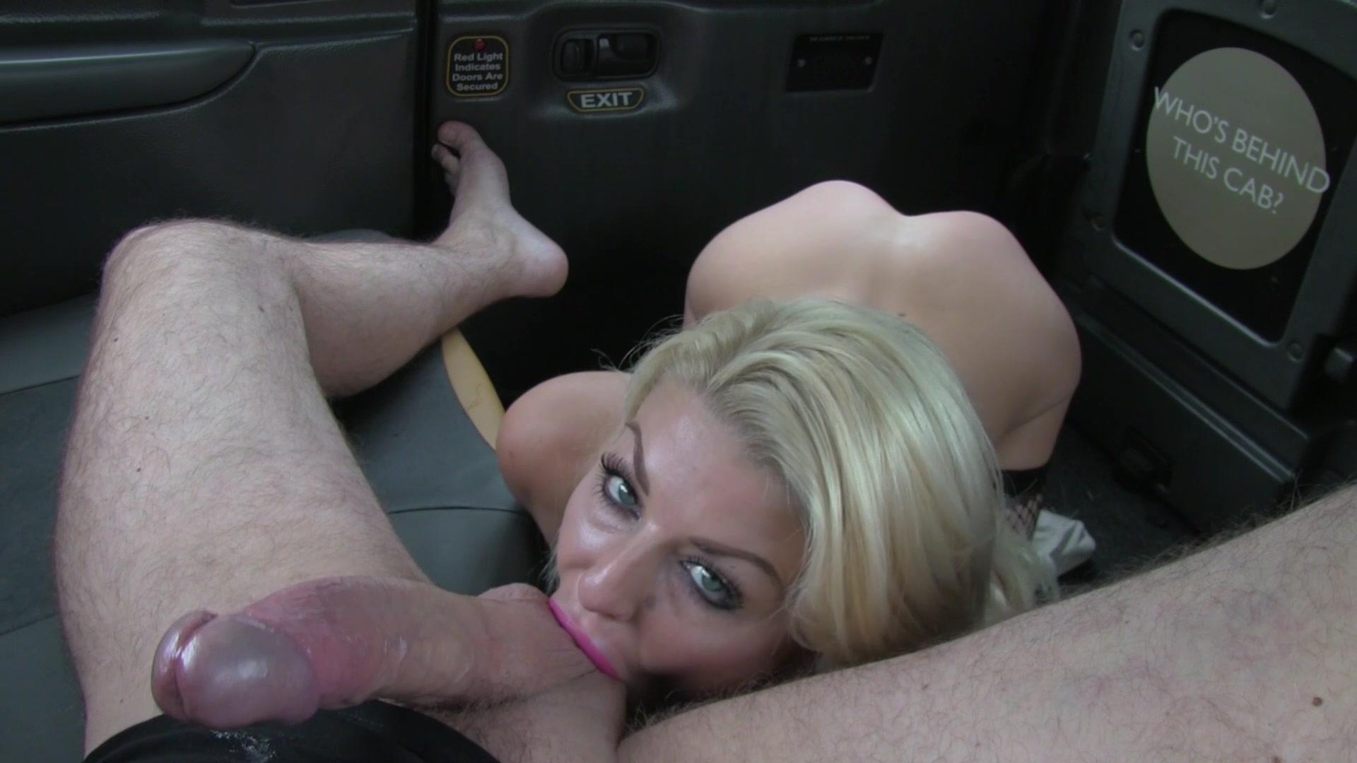 porno-v-taksi-blondinki-russkiy-film-seks-pro-sluzhanok